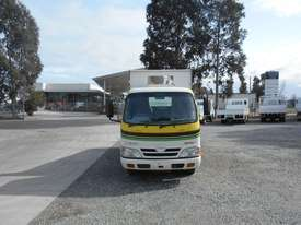 Hino 616 - 300 Series Tipper Truck - picture13' - Click to enlarge