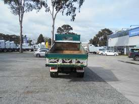 Hino 616 - 300 Series Tipper Truck - picture18' - Click to enlarge