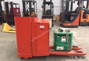 Toyota BT    PALLET MOVER