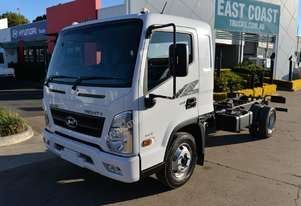 2018 Hyundai MIGHTY EX4  Cab Chassis