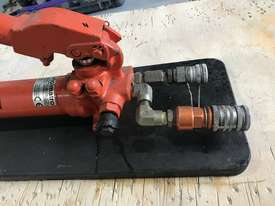 Holmatro Hydraulic Hand Pump Double Acting Two Speed Porta Power - picture5' - Click to enlarge