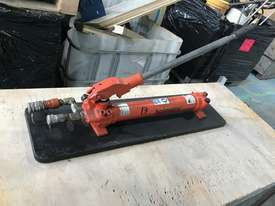 Holmatro Hydraulic Hand Pump Double Acting Two Speed Porta Power - picture6' - Click to enlarge