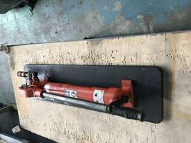 Holmatro Hydraulic Hand Pump Double Acting Two Speed Porta Power - picture8' - Click to enlarge