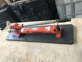 Holmatro Hydraulic Hand Pump Double Acting Two Speed Porta Power - picture9' - Click to enlarge