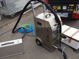 Dry Ice Machine - picture0' - Click to enlarge