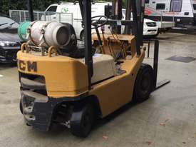TCM Forklift 1.8ton LPG 1993 model used in cabinet making factory.  - picture0' - Click to enlarge