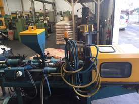 BOY  Moulding Machine - picture0' - Click to enlarge