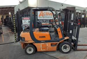 CLARK FORKLIFT 2.5 TON 4300MM LIFT CONTAINER MAST CLEARANCE SALE