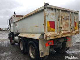 1991 Volvo F12 - picture2' - Click to enlarge