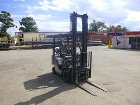 Circa 2007 Nissan L01A18U 1.8 Tonne LPG Forklift - picture2' - Click to enlarge