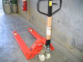 Hydraulic Hand Pallet Truck ' 2.5t capacity' - picture2' - Click to enlarge