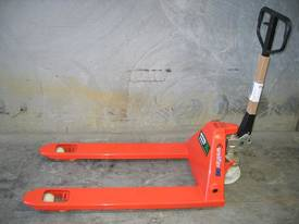Hydraulic Hand Pallet Truck ' 2.5t capacity' - picture1' - Click to enlarge
