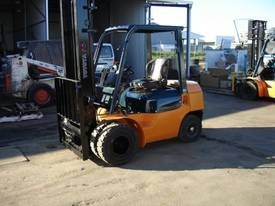 TOYOTA 7 SERIES 4.0M LIFT HEIGHT,  DUAL WHEELS  - picture2' - Click to enlarge