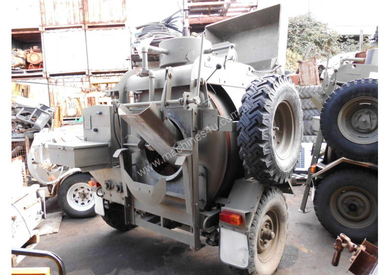 diesel powered hyd load concrete mixer , 200ltr 1 left , price reduced to clear