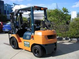 Toyota 2.5t LPG forklift with Weight gauge - picture4' - Click to enlarge