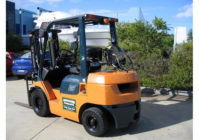 Toyota 2.5t LPG forklift with Weight gauge