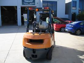 Toyota 2.5t LPG forklift with Weight gauge - picture13' - Click to enlarge
