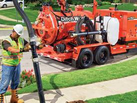 Ditch Witch FX50, 800 to 1200 gallon, 1025cfm, vac