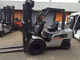 NISSAN Forklift 3 Ton 3700mm Lift Wide Carriage - picture0' - Click to enlarge