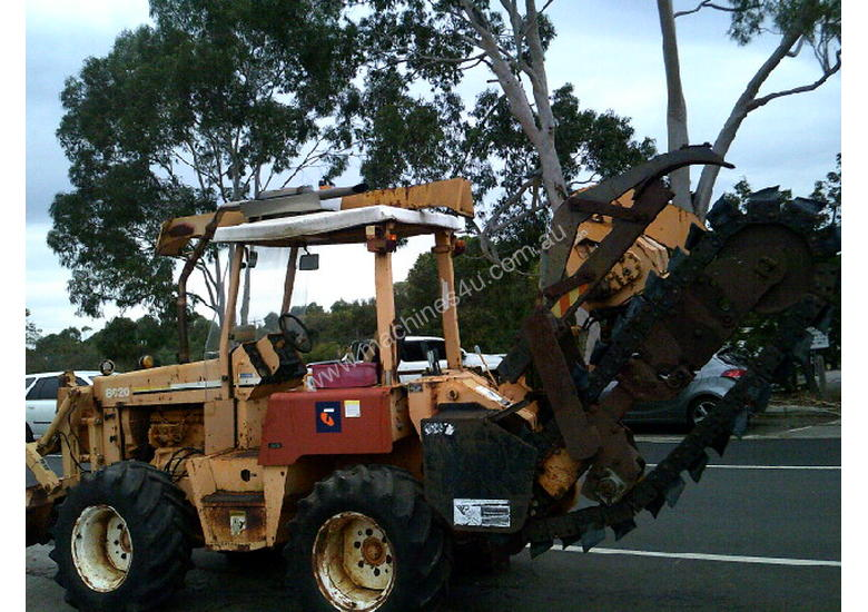 8020  trencher plow / combo , ex telstra fleet , 1668 hrs , new chain sprockets and teeth