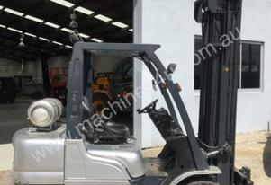 Used Nissan 3 tonne LPG forklift for sale