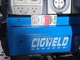 CIGWELD Petrol Welder Generator 190 AMPS 3 Phase  - picture0' - Click to enlarge