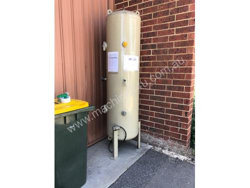 Receiver 500Litre almost new