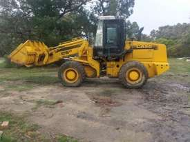 CASE 621B XT Front End Loader - picture0' - Click to enlarge