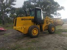 CASE 621B XT Front End Loader - picture1' - Click to enlarge