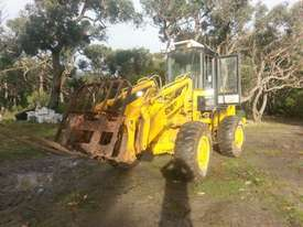 CASE 621B XT Front End Loader - picture2' - Click to enlarge