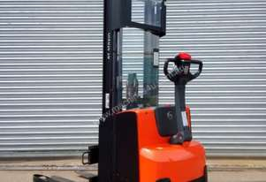 2012 BT-TOYOTA Walk Behind Stacker