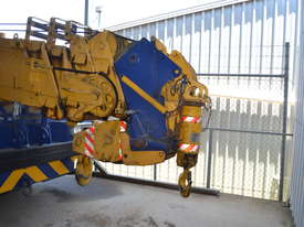 Kobelco RK 160-2 road crane - picture4' - Click to enlarge