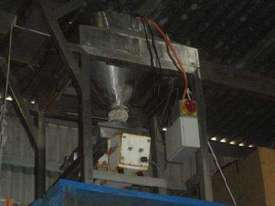 Hopper with Vibratory Feeder (S/S) - picture16' - Click to enlarge
