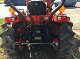 PROBABLY THE BEST VALUE 35HP TRACTOR IN AUSTRALIA. - picture1' - Click to enlarge