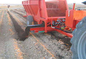 Compost/Manure spreader MS Side delivery