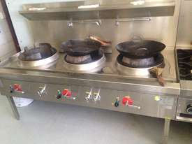 Three Hole 18 jet Duckbill Burner Wok Table and two gas burner 'clip on'  - picture0' - Click to enlarge