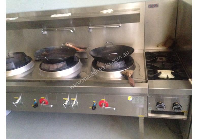 Three Hole 18 jet Duckbill Burner Wok Table and two gas burner 'clip on'