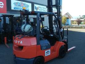 Toyota 3 ton compact 02-7FGK30  - picture3' - Click to enlarge