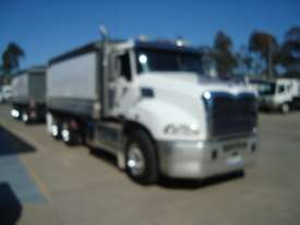 Mack  Tipper Truck - picture1' - Click to enlarge