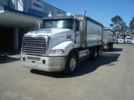 Mack  Tipper Truck - picture2' - Click to enlarge