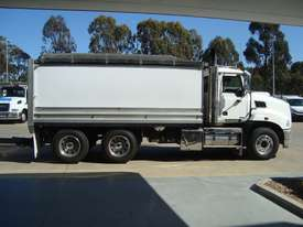 Mack  Tipper Truck - picture4' - Click to enlarge