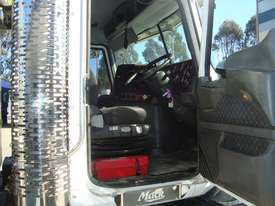 Mack  Tipper Truck - picture13' - Click to enlarge