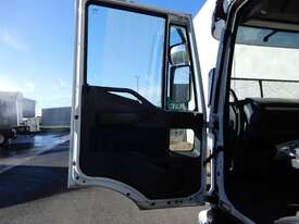 Iveco EuroCargo Tray Truck - picture3' - Click to enlarge