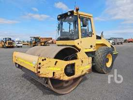 BOMAG BW213D-4 Vibratory Roller - picture0' - Click to enlarge