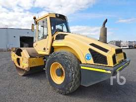 BOMAG BW213D-4 Vibratory Roller - picture1' - Click to enlarge