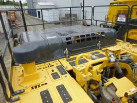 Komatsu HB335LC-1 Tracked-Excav Excavator - picture11' - Click to enlarge