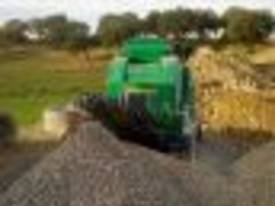 4825 JAW CRUSHER MOBILE TRACK 4 TONNE REMOTE - picture10' - Click to enlarge