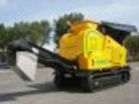 4825 JAW CRUSHER MOBILE TRACK 4 TONNE REMOTE - picture6' - Click to enlarge