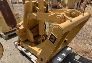 Caterpillar CAT GRADER FRONT BLADE LIFTS