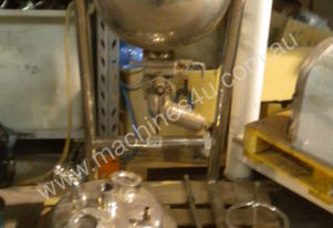Vacuum Jacketed Cooker with Manual Agitator